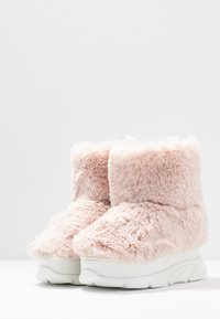 Joshua Sanders - FURRY BOOT DONNA - Wedge Ankle Boots - pink - 4
