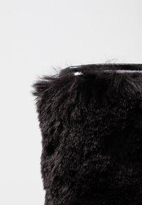 Joshua Sanders - FURRY BOOT DONNA - Keilstiefelette - black - 2