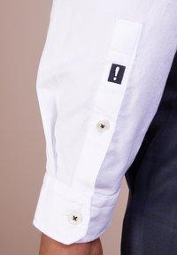 JOOP! Jeans - HAVEN - Vapaa-ajan kauluspaita - white - 3