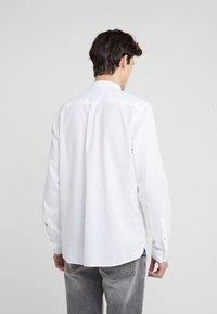 JOOP! Jeans - HABAKUK - Vapaa-ajan kauluspaita - white - 2