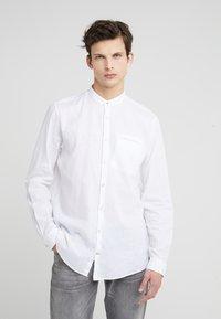 JOOP! Jeans - HABAKUK - Vapaa-ajan kauluspaita - white - 0