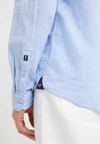 JOOP! Jeans - HABAKUK - Vapaa-ajan kauluspaita - light blue - 3