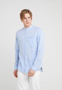 JOOP! Jeans - HABAKUK - Vapaa-ajan kauluspaita - light blue - 0