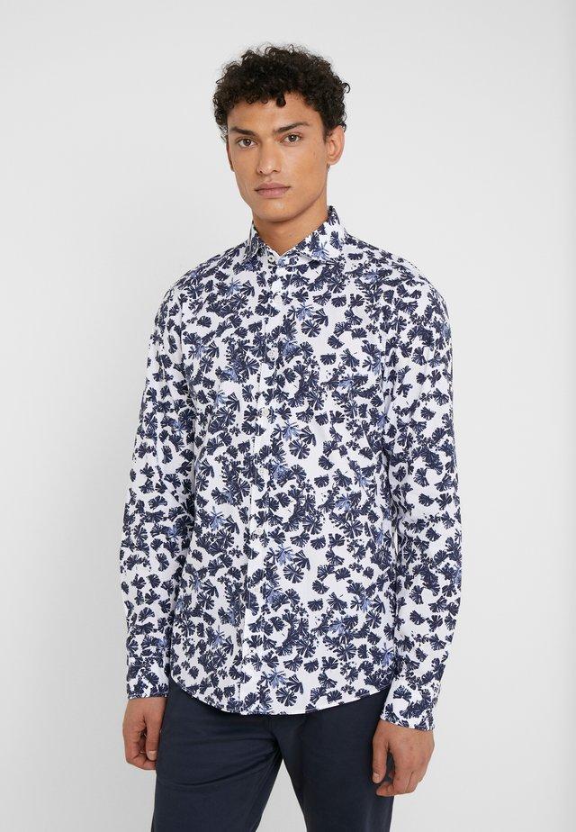 HANJO - Skjorta - white/blue floral