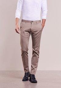 JOOP! Jeans - MATTHEW - Kalhoty - beige - 0