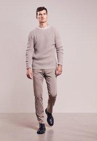 JOOP! Jeans - MATTHEW - Kalhoty - beige - 1
