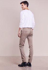 JOOP! Jeans - MATTHEW - Kalhoty - beige - 2