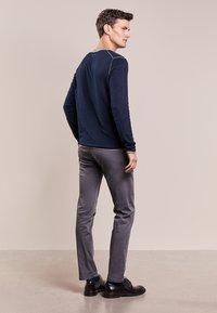 JOOP! Jeans - MATTHEW - Kalhoty - grau - 2