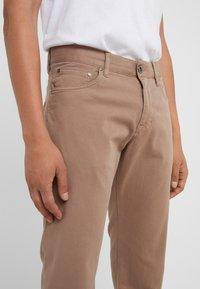 JOOP! Jeans - MITCH - Pantalon classique - beige - 3