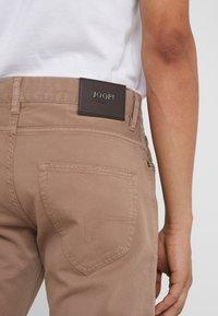 JOOP! Jeans - MITCH - Pantalon classique - beige - 5