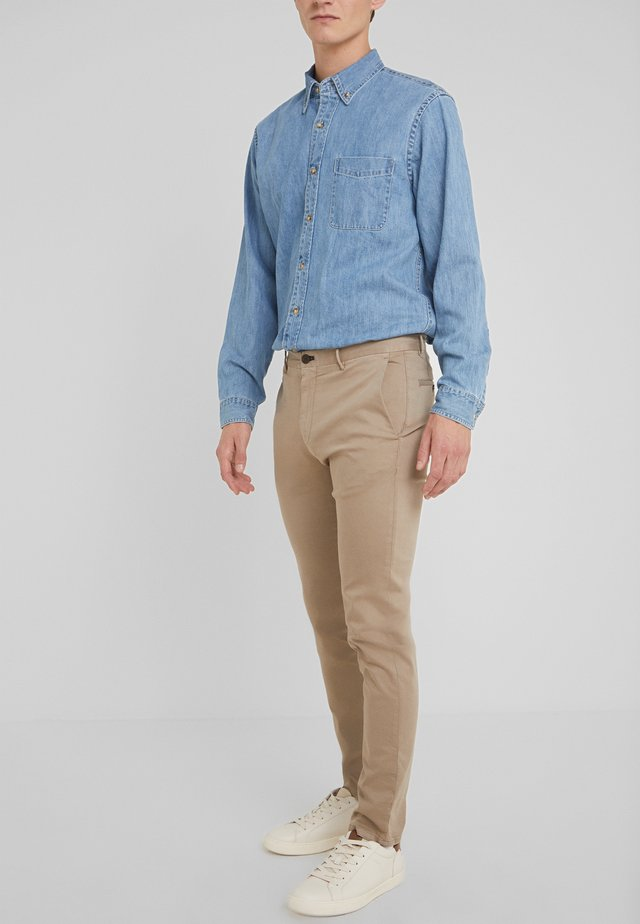STEEN - Jeans slim fit - beige