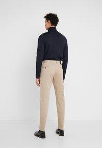 JOOP! Jeans - STEHEN - Chino kalhoty - beige - 2