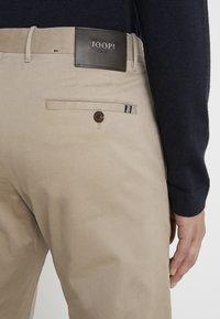 JOOP! Jeans - STEHEN - Chino kalhoty - beige - 4
