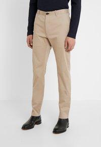 JOOP! Jeans - STEHEN - Chino kalhoty - beige - 0
