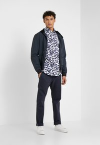 JOOP! Jeans - STEHEN - Chino kalhoty - navy - 1