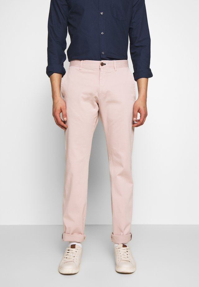 MATTHEW - Trousers - rosa