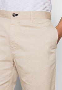 JOOP! Jeans - RUDO - Kraťasy - light beige - 3