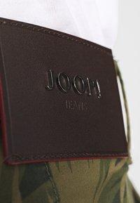 JOOP! Jeans - RUDO - Kraťasy - oliv - 5