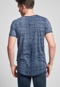 JOOP! Jeans - THORSTEN-S - T-shirt imprimé - navy - 1