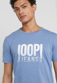 JOOP! Jeans - T-shirts print - light blue - 4