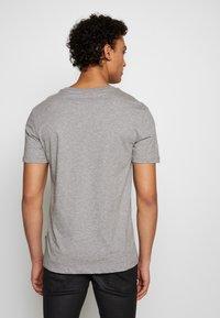 JOOP! Jeans - ALPHIS  - Jednoduché triko - grau - 2