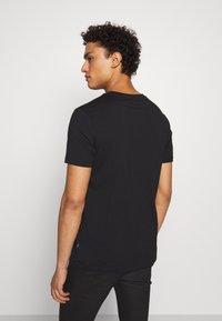 JOOP! Jeans - ALPHIS  - Jednoduché triko - black - 2