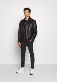 JOOP! Jeans - ALPHIS  - Jednoduché triko - black - 1