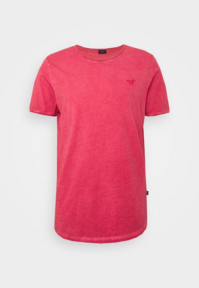CLARK - T-shirt z nadrukiem - red