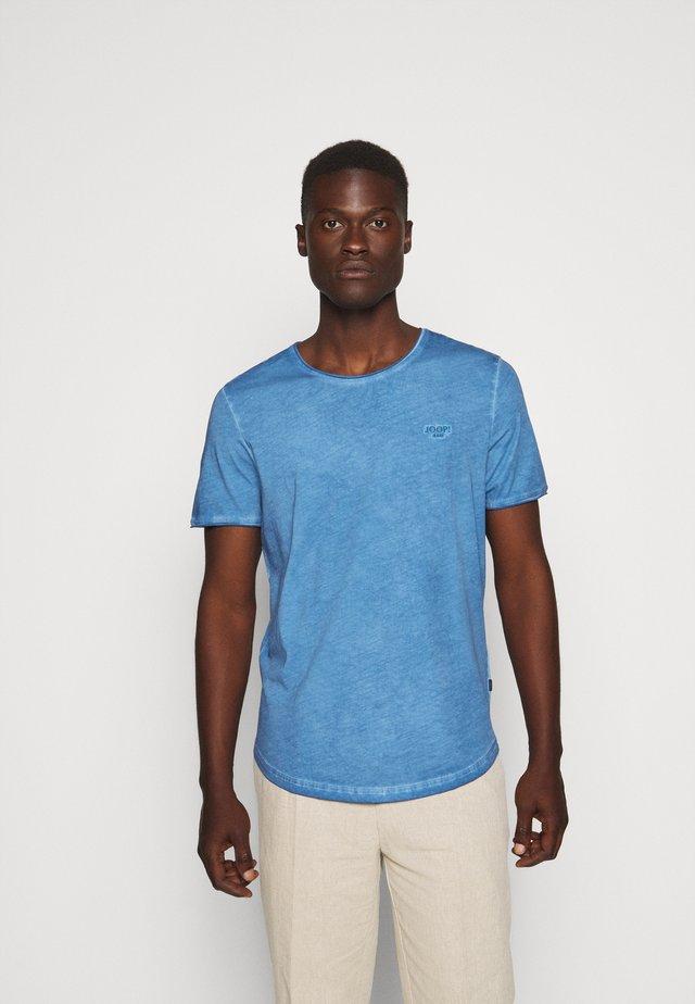 CLARK - T-shirts med print - blue