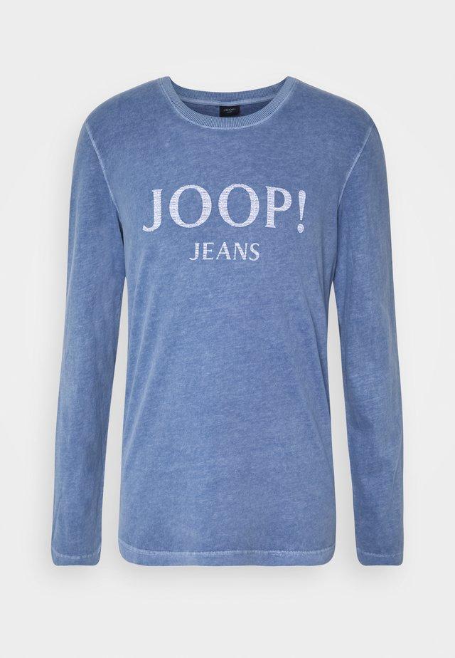 AMOR - Langærmede T-shirts - pastel blue