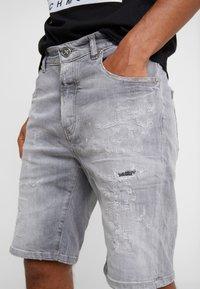 John Richmond - BERMUDA NEILY - Shorts di jeans - grey - 3