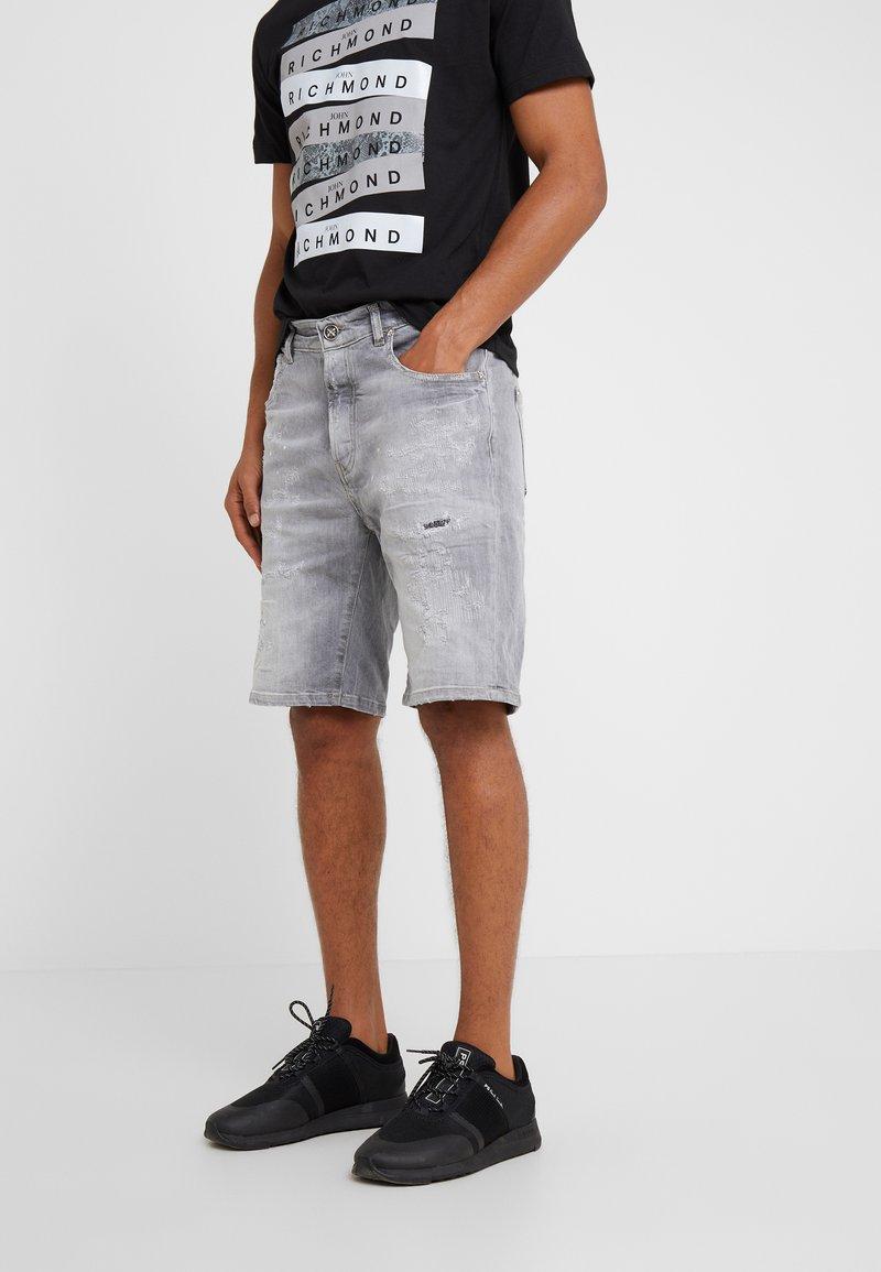 John Richmond - BERMUDA NEILY - Shorts di jeans - grey