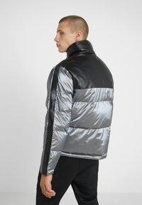 John Richmond - JACKET HAMMOS - Down jacket - silver/black - 2