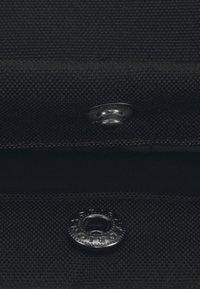 Johnny Urban - RPET ROLL TOP EMIL - Reppu - black - 4