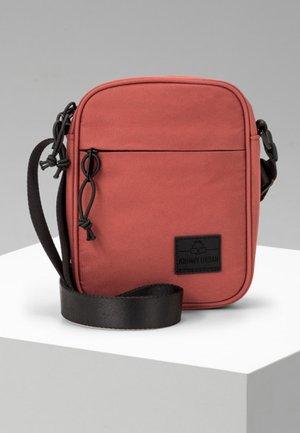 LUIS - Across body bag - red