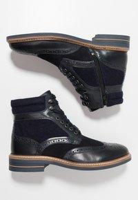 JOE BROWNS - ZIP BROGUE BOOT - Šněrovací kotníkové boty - navy - 1