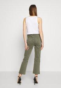 Joe's Jeans - THE SLIM KICK TROUSER - Bootcut jeans - deep celadon - 2
