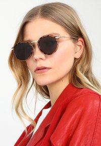 Jeepers Peepers - CASPAR - Gafas de sol - tort - 1