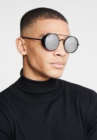 Jeepers Peepers - Sluneční brýle - black - 1