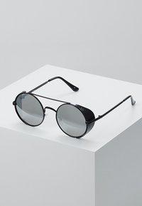Jeepers Peepers - Sluneční brýle - black - 0