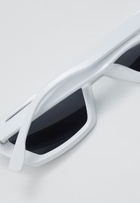 Jeepers Peepers - Gafas de sol - white - 4
