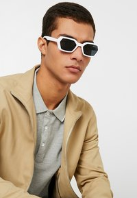 Jeepers Peepers - Gafas de sol - white - 1