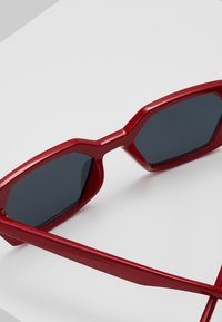 Jeepers Peepers - Sonnenbrille - red - 4