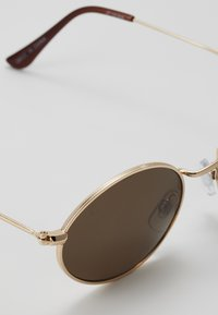 Jeepers Peepers - Occhiali da sole - gold/brown lens - 2