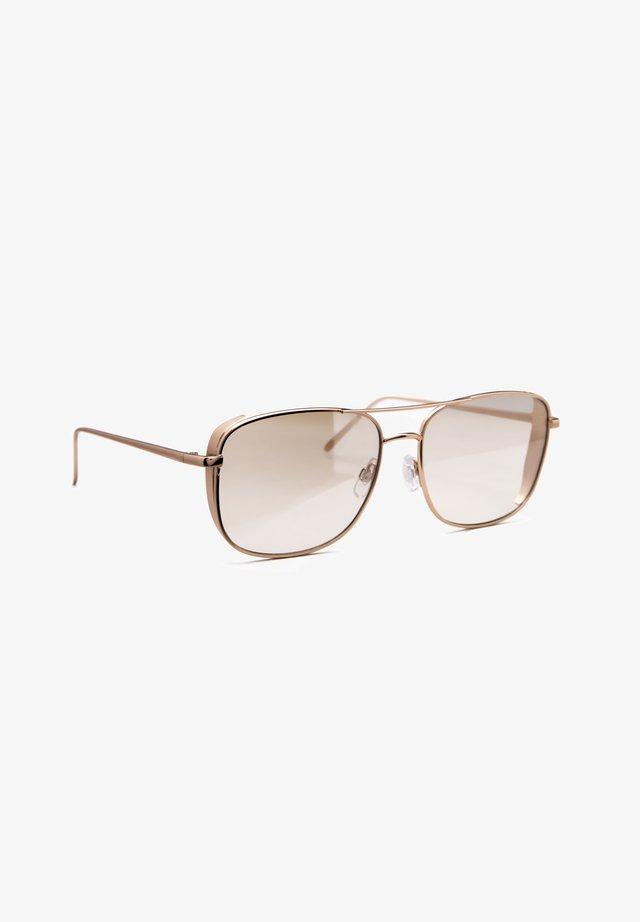 JP18312 - Sunglasses - gold