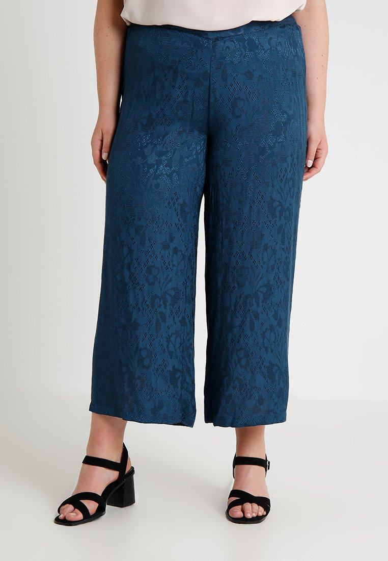 JUNAROSE - by VERO MODA - JRSALIRAZ CROPPED PANTS - Bukser - blue wing teal