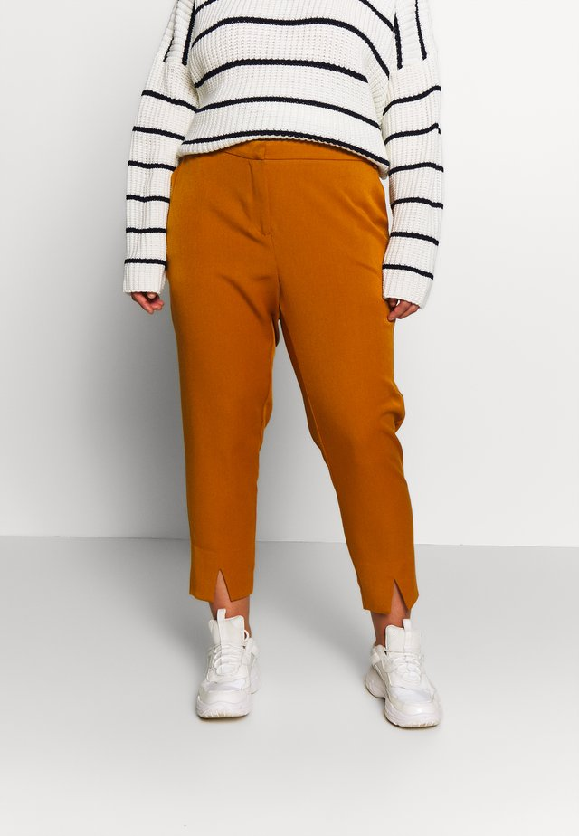 JRIBELL TAILORED ANKLE SLIT PANTS - Trousers - cathay spice
