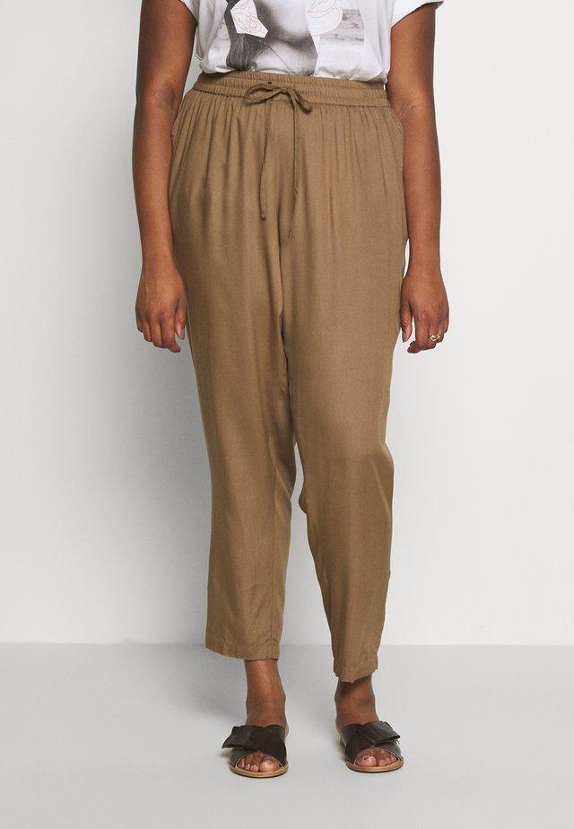 JRMAIKA PANTS - Spodnie materiałowe - covert green