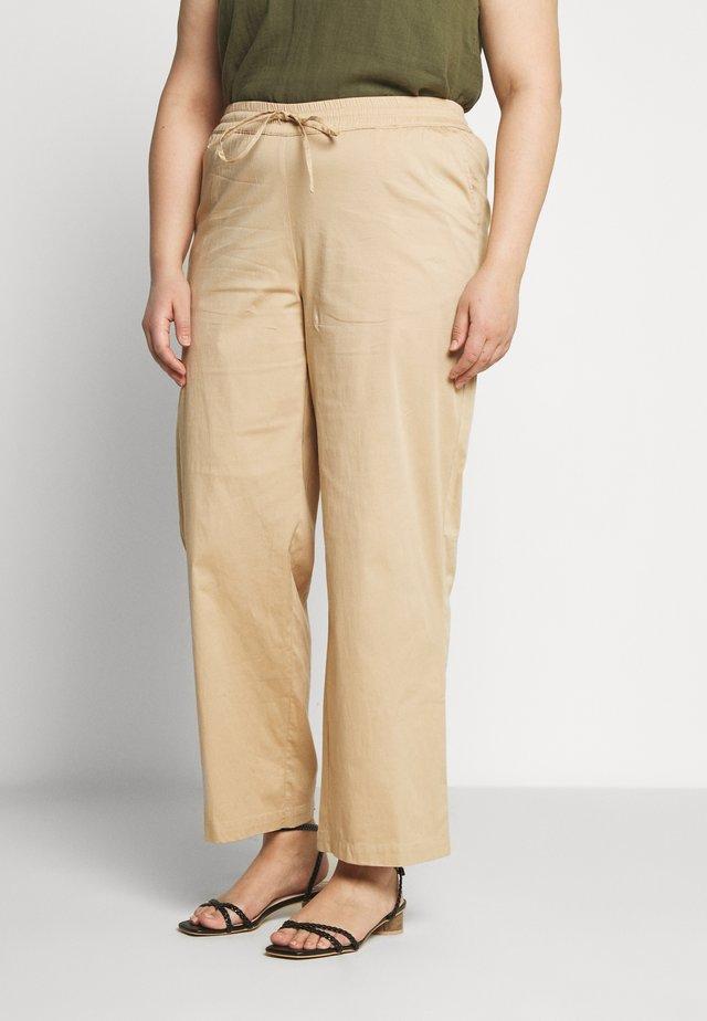 JRGRALLE PANTS - Pantaloni - cuban sand