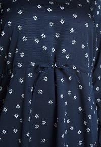 JUNAROSE - by VERO MODA - JRNILLA MIDI DRESS - Denní šaty - navy blazer/snow white - 5
